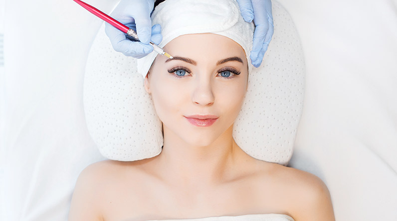 Microblading / Shutterstock